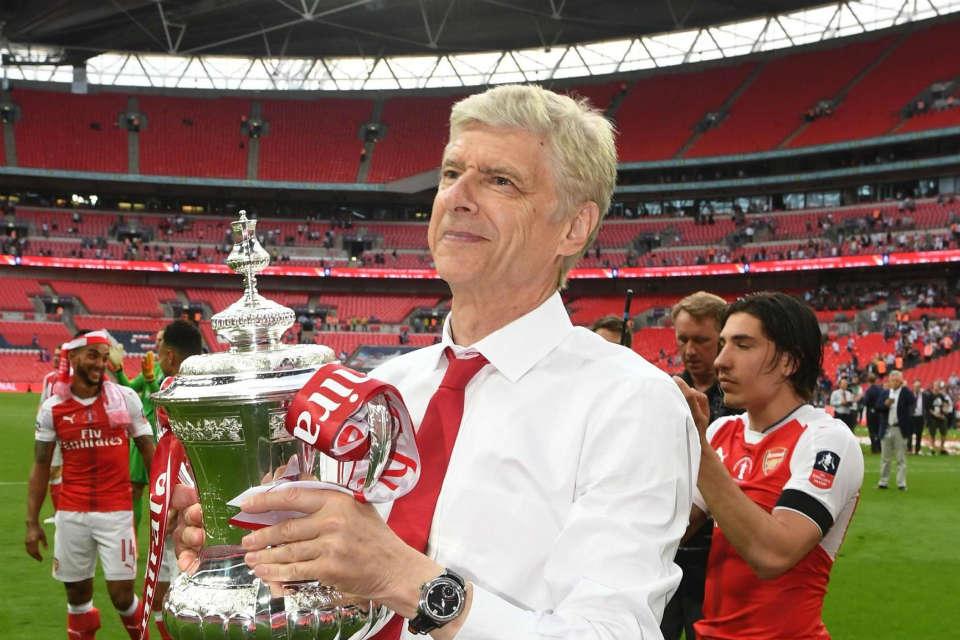 Wenger mendapat dukungan dari legenda Arsenal